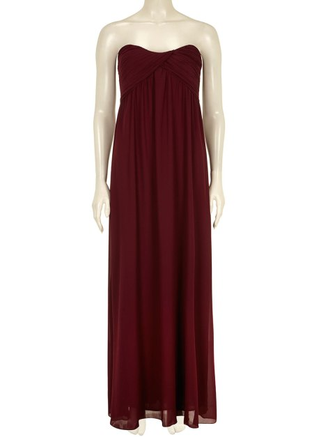 Head over to Dotty P for this rich burgundy gown at only £31.20. This staple dress is begging for some glam so build up an incredible look with lashings of jewellery and some killer heels